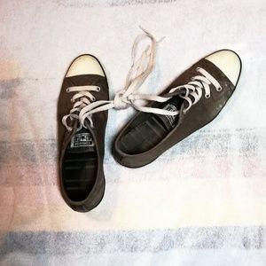 Converse sneakers, size 9.5 medium, Vintage 1990s